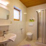 Gaestehaus_Staffner_Kirchberg_Appartement_2_Badezimmer