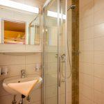 Gaestehaus_Staffner_Kirchberg_Appartement_3_Badezimmer_1